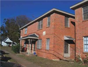Merrimac Arms apartment in Tuscaloosa, AL